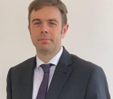 Oliver McEntee joins Kings Chambers